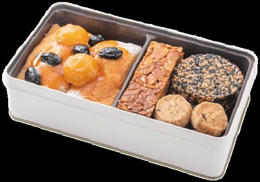 栗と黒豆のパウンドケーキ、フロランタン、ごまのチュイル、和紅茶のクッキー